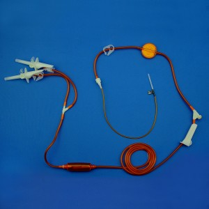 Lightproof Infusion Set With Precise Filter And Two Spikes
